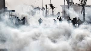 Tear gas against protesters in Bahrain