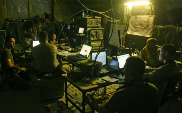 us-marines-command-ops-center-at-patrol-base-jaker-nawa-district-helmand-4-july-2009